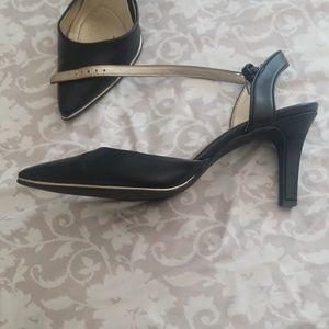 Bandolino Shoes - BANDOLINO KITTEN HEELS
